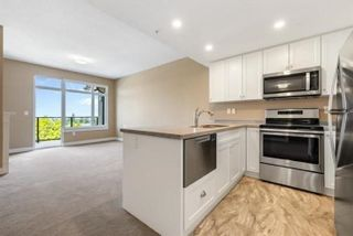 """Photo 5: 806 15333 16 Avenue in White Rock: Sunnyside Park Surrey Condo for sale in """"The Residences of Abbey Lane"""" (South Surrey White Rock)  : MLS®# R2620995"""