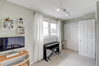 Photo 21: 22 3620 51 Street SW in Calgary: Glenbrook Row/Townhouse for sale : MLS®# A1117371