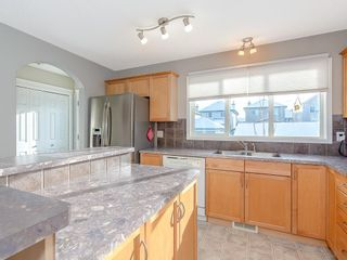 Photo 10: 649 EVERMEADOW Road SW in Calgary: Evergreen Detached for sale : MLS®# C4219450