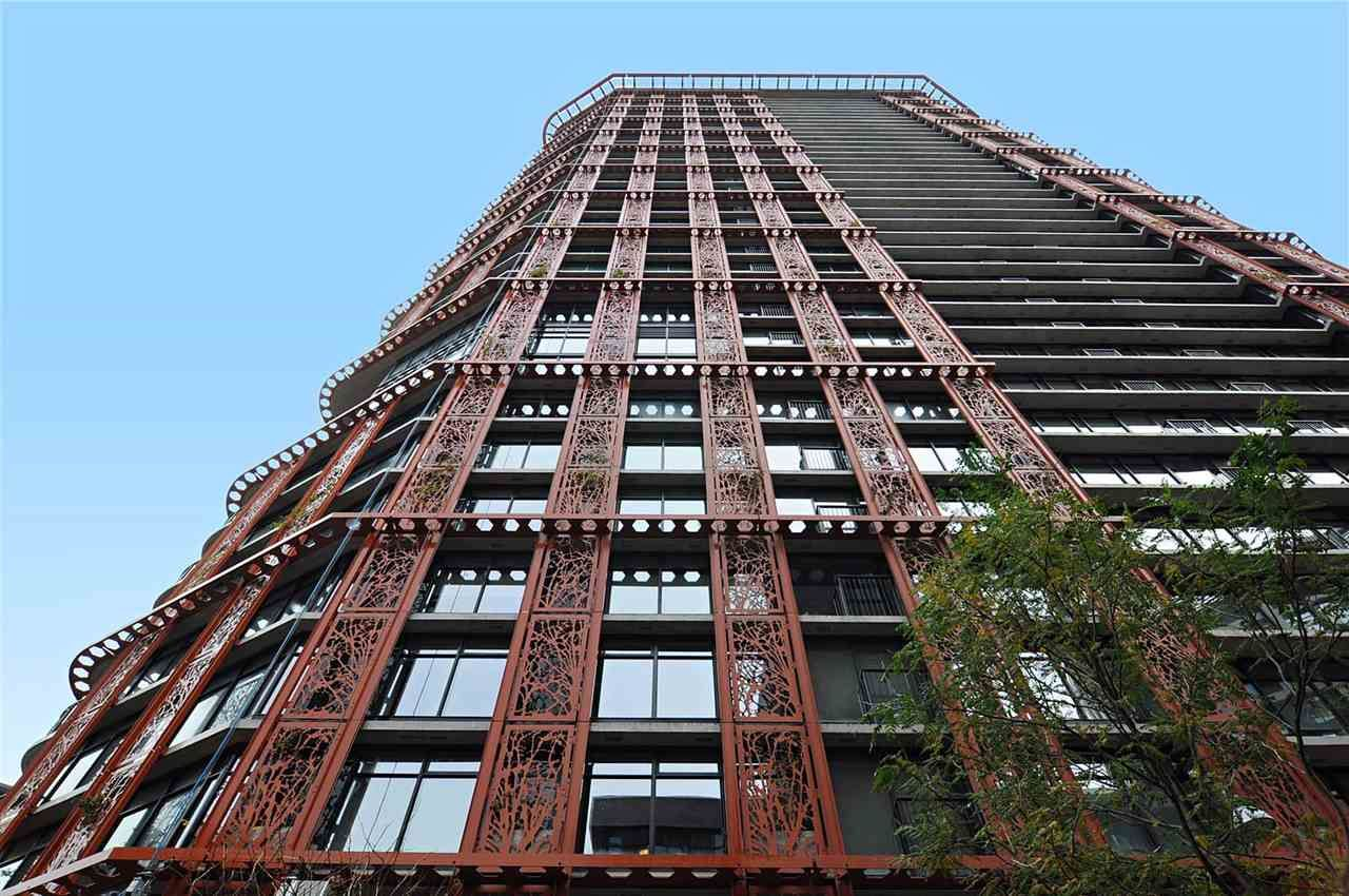"""Main Photo: 803 128 W CORDOVA Street in Vancouver: Downtown VW Condo for sale in """"WOODWARDS W43"""" (Vancouver West)  : MLS®# R2241482"""
