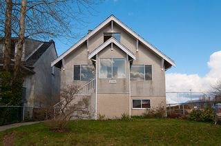 Photo 2: 3191 East 6th Avenue in Vancouver: Home for sale : MLS®# V1054407