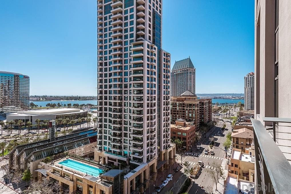 Main Photo: Condo for sale : 2 bedrooms : 645 Front St #1514 in San Diego