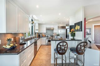 """Photo 8: 1102 14824 NORTH BLUFF Road: White Rock Condo for sale in """"BELAIRE"""" (South Surrey White Rock)  : MLS®# R2604497"""