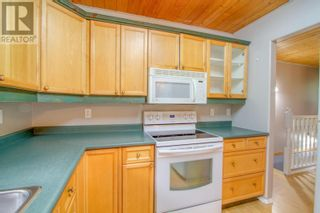 Photo 9: 5353 QUA PLACE in 108 Mile Ranch: House for sale : MLS®# R2602919