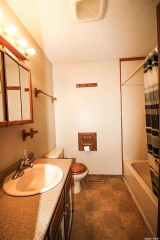 Photo 8: 2012 95th Street in North Battleford: Residential for sale : MLS®# SK847519