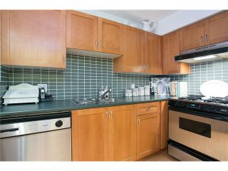 """Photo 6: 407 2181 W 12TH Avenue in Vancouver: Kitsilano Condo for sale in """"THE CARLINGS"""" (Vancouver West)  : MLS®# V987441"""