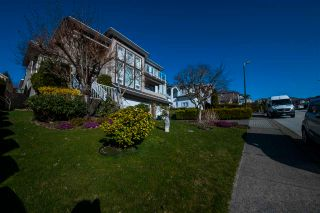 Photo 3: 1518 PURCELL Drive in Coquitlam: Westwood Plateau House for sale : MLS®# R2562600