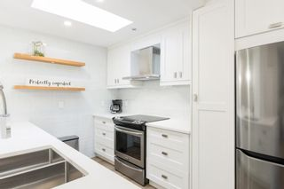 """Photo 17: 302 874 W 6TH Avenue in Vancouver: Fairview VW Condo for sale in """"Fairview"""" (Vancouver West)  : MLS®# R2625447"""