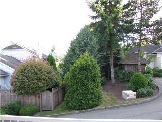 """Photo 9: 104 1180 FALCON Drive in Coquitlam: Eagle Ridge CQ Townhouse for sale in """"FALCON HEIGHTS"""" : MLS®# V1019475"""