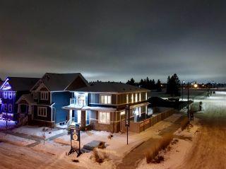 Photo 2: 943 VALOUR Way in Edmonton: Zone 27 House for sale : MLS®# E4221977