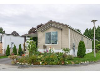 """Photo 3: 38 15875 20 Avenue in Surrey: King George Corridor Manufactured Home for sale in """"Sea Ridge Bays"""" (South Surrey White Rock)  : MLS®# R2616813"""