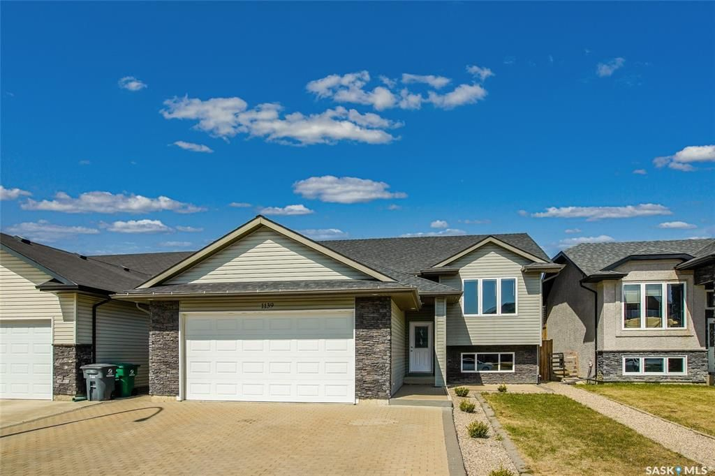 Main Photo: 1139 Paton Lane in Saskatoon: Willowgrove Residential for sale : MLS®# SK851838