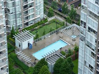 """Photo 20: 3006 2978 GLEN Drive in Coquitlam: North Coquitlam Condo for sale in """"GRAND CENTRAL ONE"""" : MLS®# R2139027"""