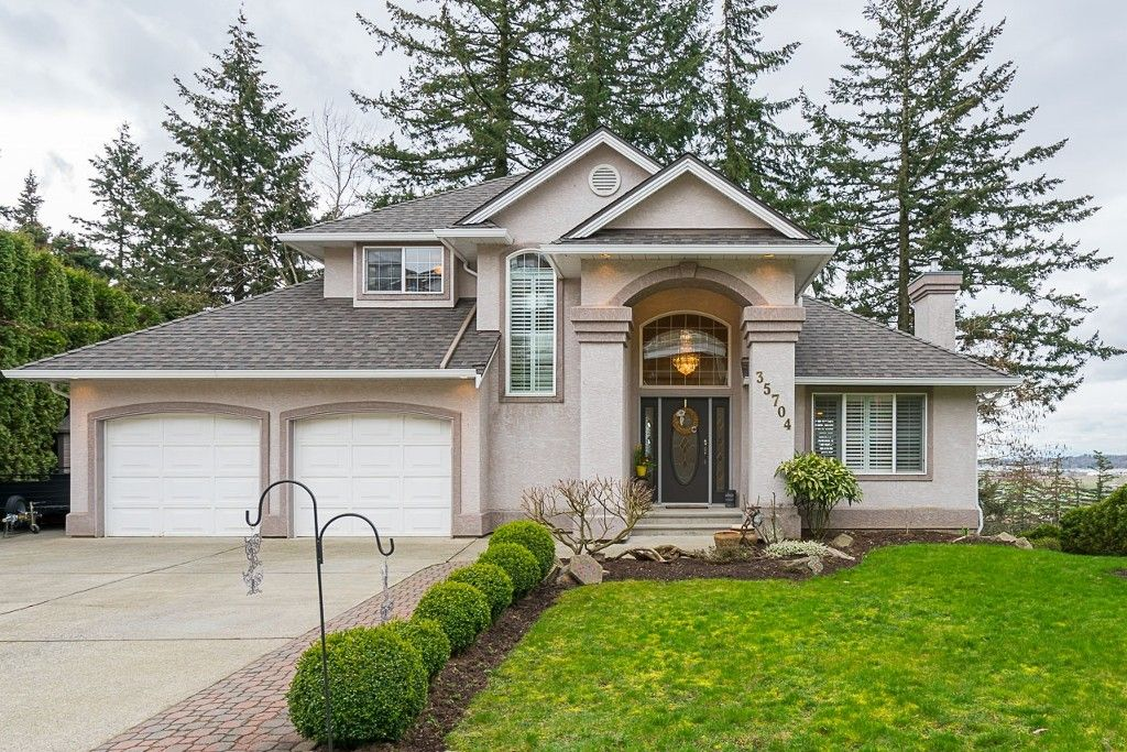 Main Photo: 35704 TIMBERLANE Drive in Abbotsford: Abbotsford East House for sale : MLS®# R2148897