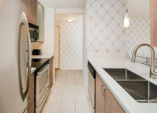 """Photo 11: 310 977 MAINLAND Street in Vancouver: Yaletown Condo for sale in """"YALETOWN PARK III by Wall Financial"""" (Vancouver West)  : MLS®# R2241322"""