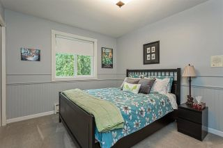 """Photo 17: 18102 CLAYTONWOOD Crescent in Surrey: Cloverdale BC House for sale in """"Claytonwoods"""" (Cloverdale)  : MLS®# R2580715"""