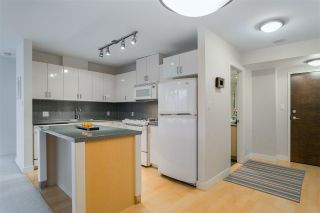 "Photo 3: 906 155 W 1ST Street in North Vancouver: Lower Lonsdale Condo for sale in ""Time"" : MLS®# R2440353"