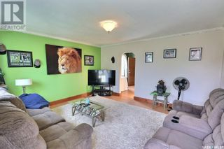 Photo 2: 655 4th ST E in Prince Albert: House for sale : MLS®# SK872073