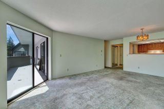 """Photo 3: 303 14950 THRIFT Avenue: White Rock Condo for sale in """"THE MONTEREY"""" (South Surrey White Rock)  : MLS®# R2598221"""