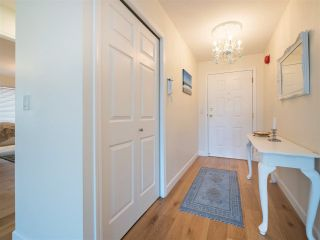 Photo 3: 204 1327 BEST STREET: White Rock Condo for sale (South Surrey White Rock)  : MLS®# R2290603