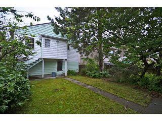 "Photo 12: 2526 VENABLES Street in Vancouver: Renfrew VE House for sale in ""Renfrew/East Village"" (Vancouver East)  : MLS®# V1014686"