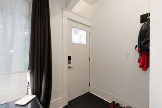 Photo 3: 1630 12 Avenue SW in Calgary: Sunalta Detached for sale : MLS®# A1139570