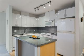 "Photo 2: 906 155 W 1ST Street in North Vancouver: Lower Lonsdale Condo for sale in ""Time"" : MLS®# R2440353"