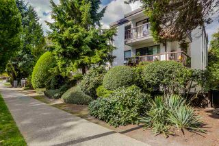 """Photo 1: 310 1515 E 5TH Avenue in Vancouver: Grandview VE Condo for sale in """"WOODLAND PLACE"""" (Vancouver East)  : MLS®# R2000836"""