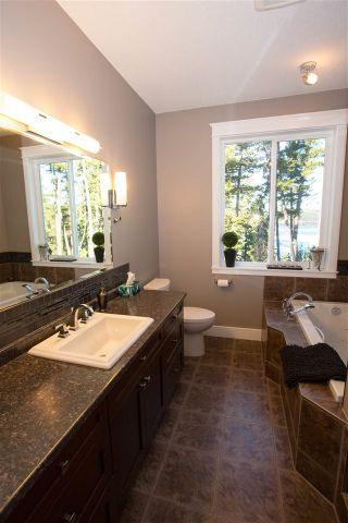 Photo 8: 49010 LLOYD Drive in Prince George: Cluculz Lake House for sale (PG Rural West (Zone 77))  : MLS®# R2572014