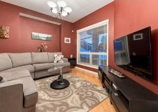 Photo 3: 35 VALLEY CREEK Bay NW in Calgary: Valley Ridge Detached for sale : MLS®# A1119057