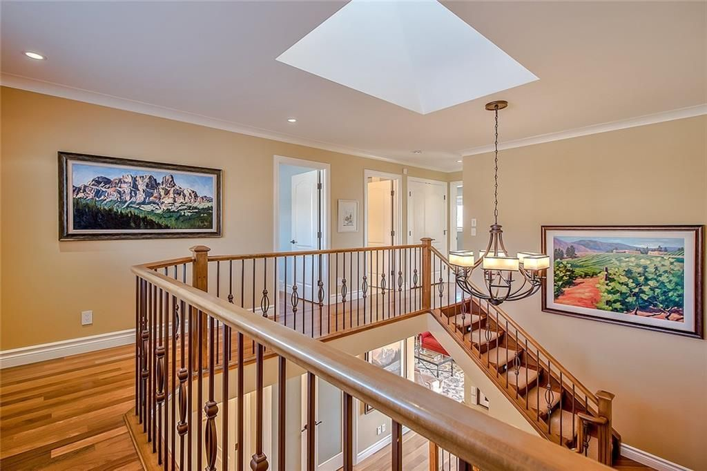 Photo 23: Photos: 153 SIGNATURE Close SW in Calgary: Signal Hill Detached for sale : MLS®# C4283177