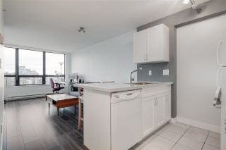 "Photo 9: 2220 938 SMITHE Street in Vancouver: Downtown VW Condo for sale in ""ELECTRIC AVENUE"" (Vancouver West)  : MLS®# R2542428"