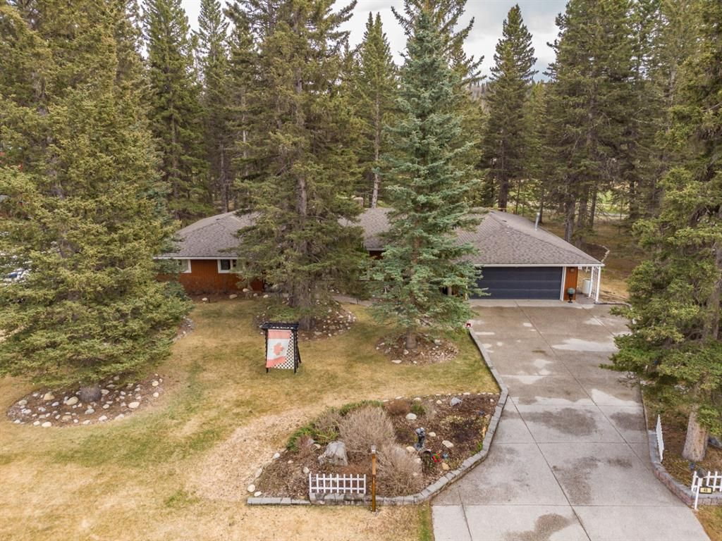 Main Photo: 48 Wolf Drive: Bragg Creek Detached for sale : MLS®# A1098484