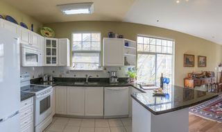 """Photo 6: 6 5708 208 Street in Langley: Langley City Townhouse for sale in """"Bridle Run"""" : MLS®# R2572976"""