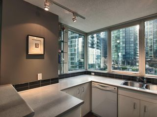 """Photo 26: 606 588 BROUGHTON Street in Vancouver: Coal Harbour Condo for sale in """"HARBOURSIDE PARK"""" (Vancouver West)  : MLS®# V929712"""