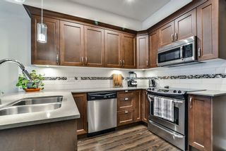 """Photo 8: 114 828 ROYAL Avenue in New Westminster: Downtown NW Townhouse for sale in """"BRICKSTONE WALK"""" : MLS®# R2161286"""