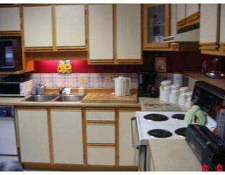 "Photo 3: 101 7837 120A Street in Surrey: West Newton Townhouse for sale in ""Berkshyre Gardens"" : MLS®# F2812158"