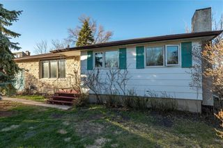 Photo 1: 2221 Knowles Avenue in Winnipeg: Harbour View South Residential for sale (3J)  : MLS®# 202110786