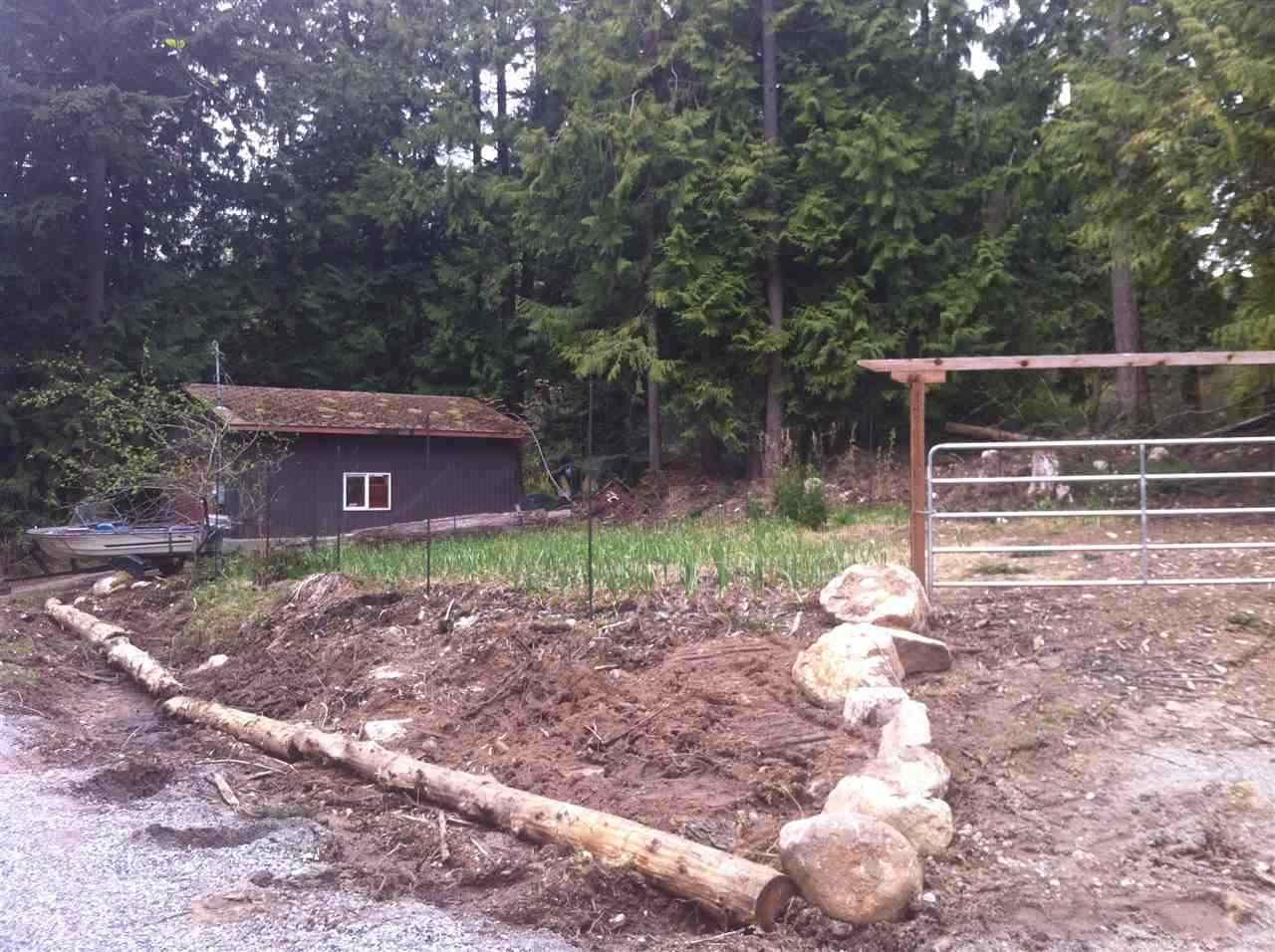 Photo 13: Photos: 908/930 BYNG Road: Roberts Creek House for sale (Sunshine Coast)  : MLS®# R2173400
