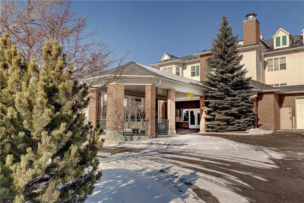 Main Photo: 218 1920 14 Avenue NE in Calgary: Mayland Heights Apartment for sale : MLS®# C4286710