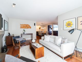 """Photo 11: 1594 ISLAND PARK Walk in Vancouver: False Creek Townhouse for sale in """"THE LAGOONS"""" (Vancouver West)  : MLS®# R2297532"""