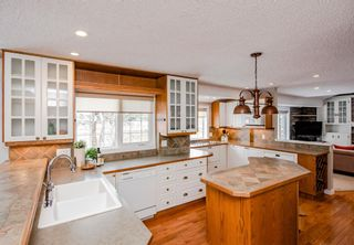 Photo 13: 704 Willingdon Boulevard SE in Calgary: Willow Park Detached for sale : MLS®# A1070574