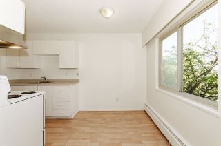 """Photo 12: 204 225 W 3RD Street in North Vancouver: Lower Lonsdale Condo for sale in """"Villa Valencia"""" : MLS®# R2459541"""