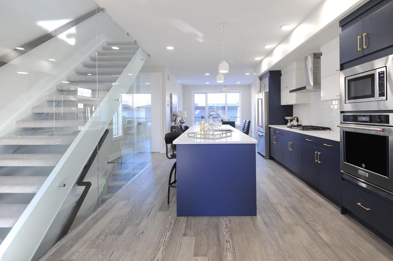 Main Photo:  in Edmonton: House for sale : MLS®# E4165901