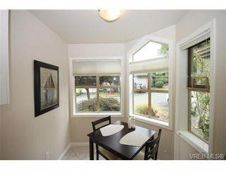 Photo 2: 17 500 Marsett Pl in VICTORIA: SW Royal Oak Row/Townhouse for sale (Saanich West)  : MLS®# 711729