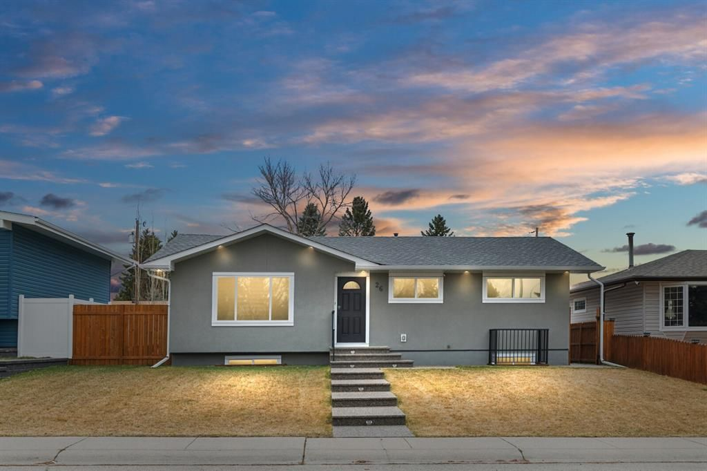 Main Photo: 26 Atlanta Crescent SE in Calgary: Acadia Detached for sale : MLS®# A1091446
