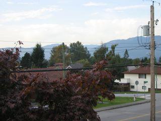 """Photo 12: 7201 HEWITT Street in Burnaby: Simon Fraser Univer. House for sale in """"Simon Fraser University"""" (Burnaby North)  : MLS®# V745542"""