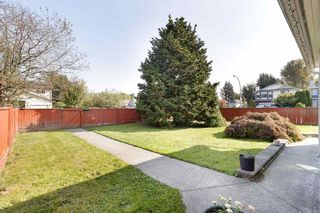 Photo 2: 1806 TAYLOR Street in Port Coquitlam: Lower Mary Hill House for sale : MLS®# R2504446