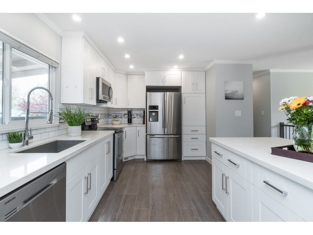 """Photo 9: Photos: 2669 VALEMONT Crescent in Abbotsford: Abbotsford West House for sale in """"West Clearbrook"""" : MLS®# R2460646"""