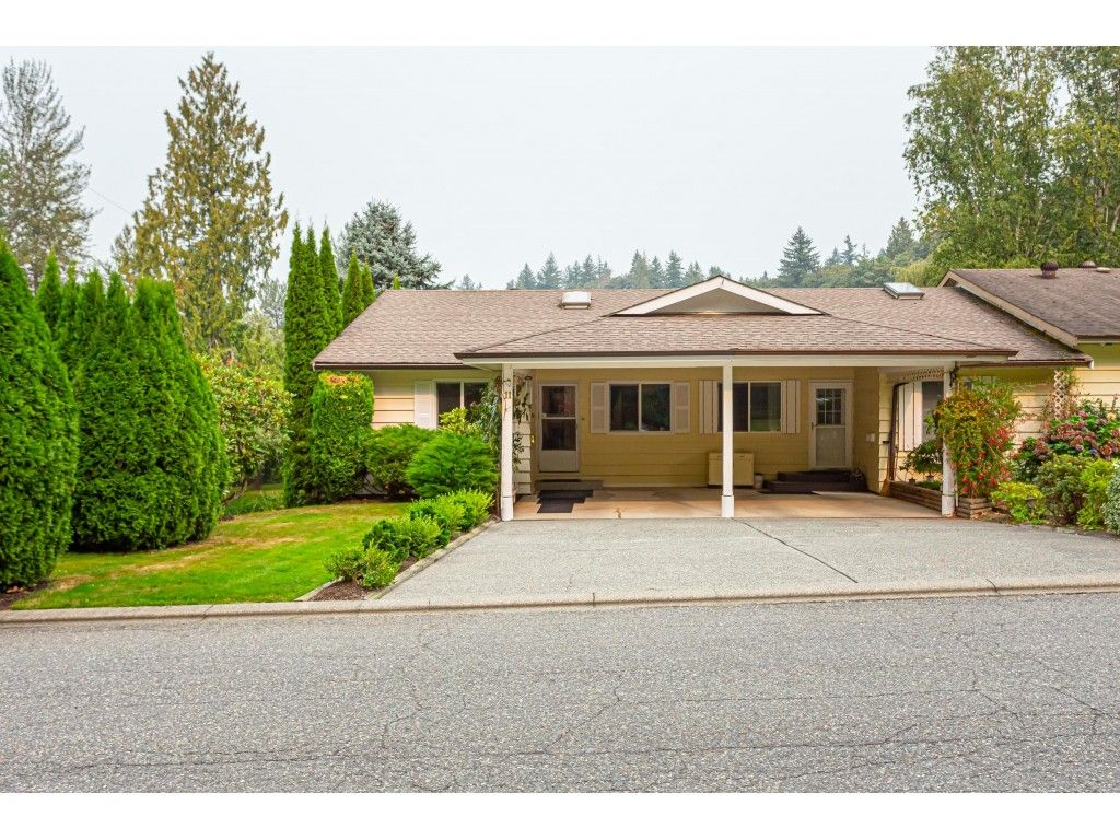 Main Photo: 11 3350 Elmwood Drive in Abbotsford: Central Abbotsford Townhouse for sale : MLS®# R2515809